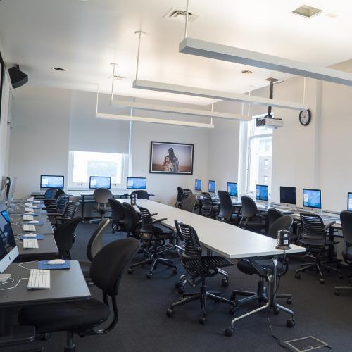 Computer Lab with Mac Desktops: Classroom rental at Columbia Journalism School in New York City