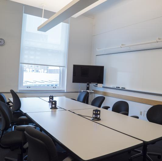 Seminar Room with chairs: Classroom Rentals at Columbia Journalism School in New York City